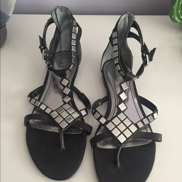 5d72064a0f8d Guess Sandals Black and Silver - Size 8. Guess. M 5b783bcfd8a2c7bcc27276c7.  M 5b783be1f414525a347f2ef3. M 5b783bed5fef3769ce65d894